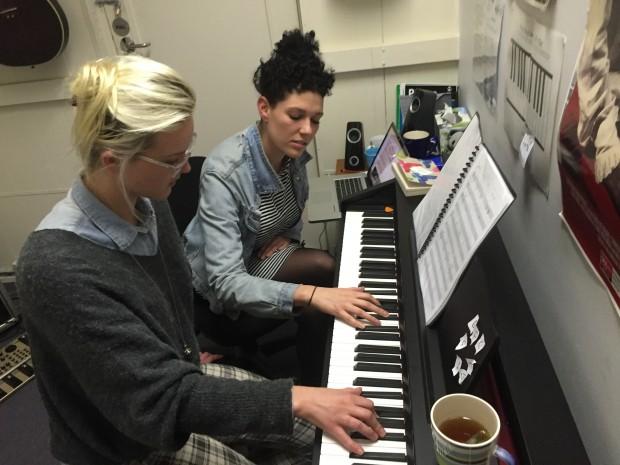 Alanna & Phoebe - Piano